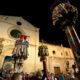 Le immagini dei Candelieri e delle Macchine a spalla sulla chiesa di Santa Maria